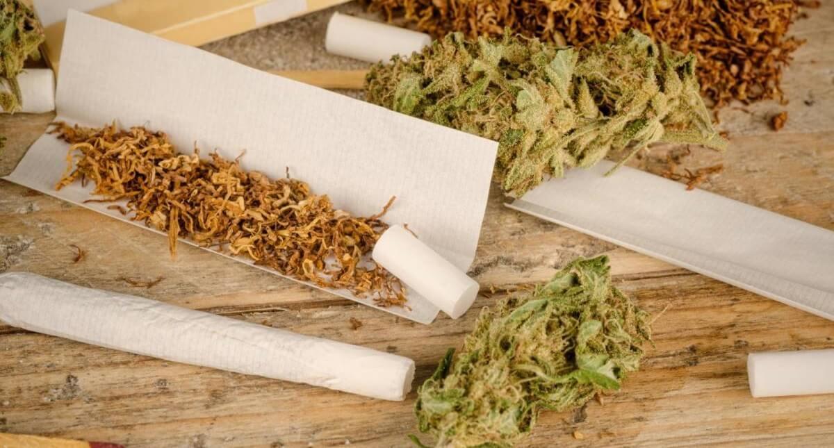 melange-herbe-et-cigarette